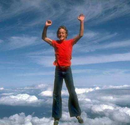Boy in Sky in Now Time