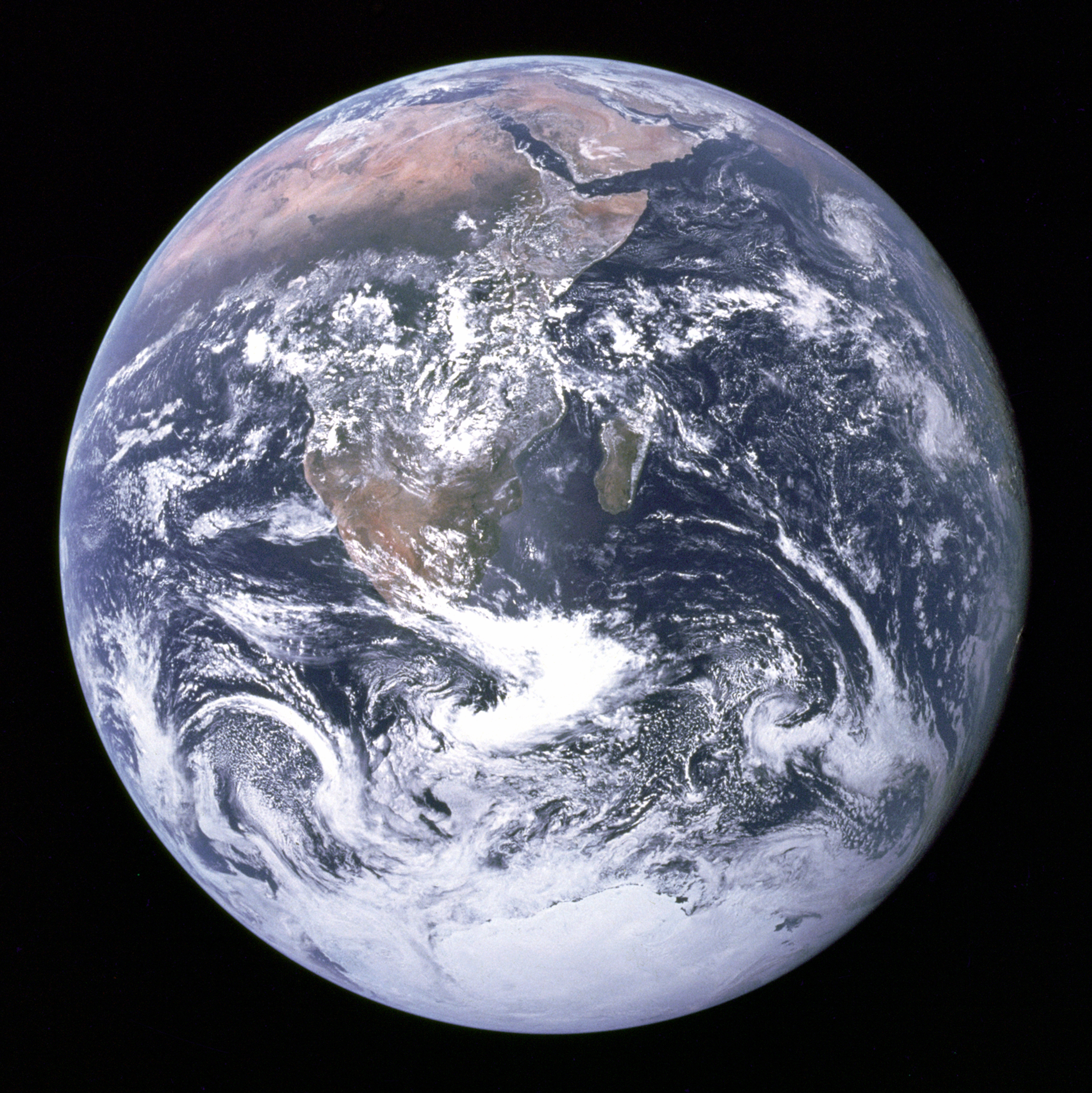 Earth seen from Apollow